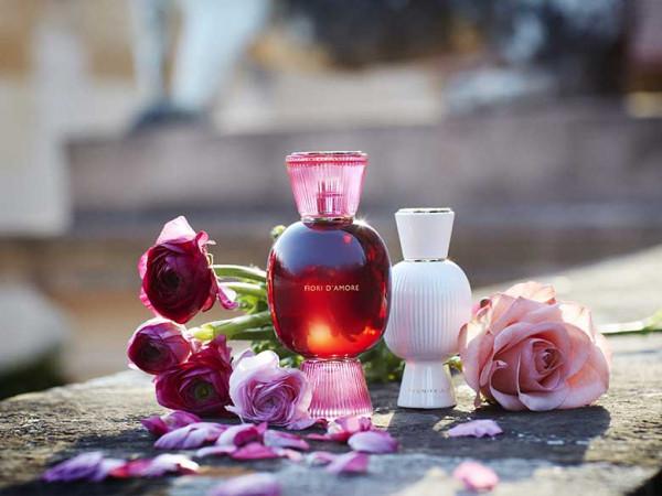 Read more about the article Cách viết bài nước hoa thu hút khách hàng chi tiết từ A – Z
